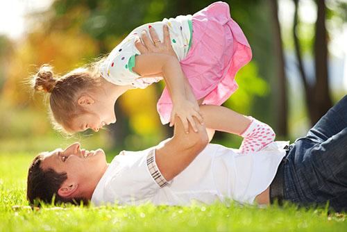 爸爸和女儿.jpg