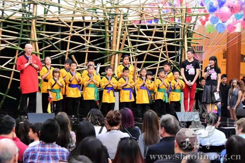 美国洛杉矶少林功夫禅学院参加当地新年庆祝活动