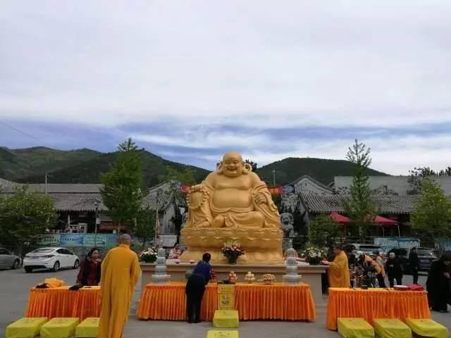 圣泉寺举行弥勒菩萨及韦陀菩萨圣像安奉仪式
