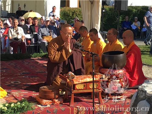 奥地利少林文化中心参加当地佛祖诞辰系列庆典活动